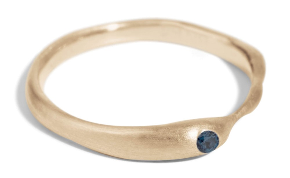 Reticulated One Blue Sapphire Band