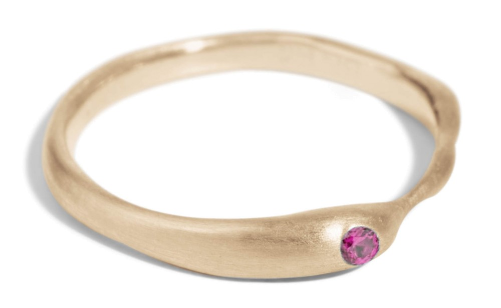 Reticulated One Fuchsia Sapphire Band