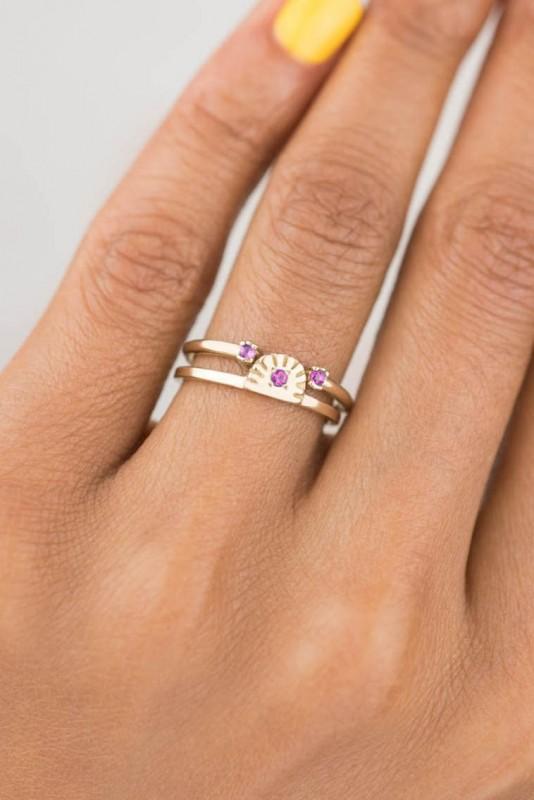 Ray Fringe Fuchsia Sapphire Ring