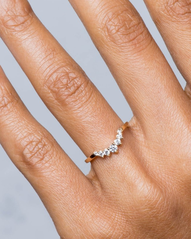 Arco Curved Champagne Diamond with Yellow Sapphire Ombré Band