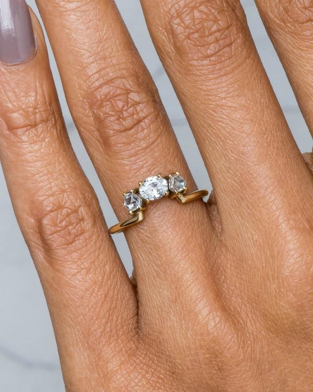 Icon Hex Diamond Oval Ring