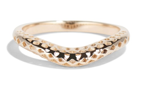 Filigree Curved Band in 14kt Yellow Gold