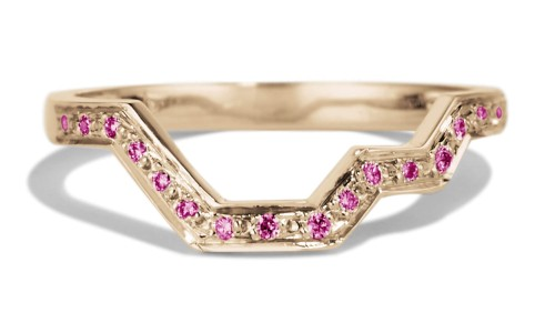 Linea Fuchsia Sapphire Band in 14kt Yellow Gold