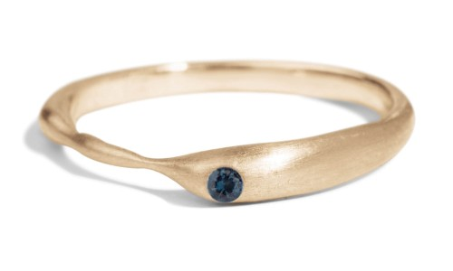 Reticulated One Blue Sapphire Band in 14kt Yellow Gold