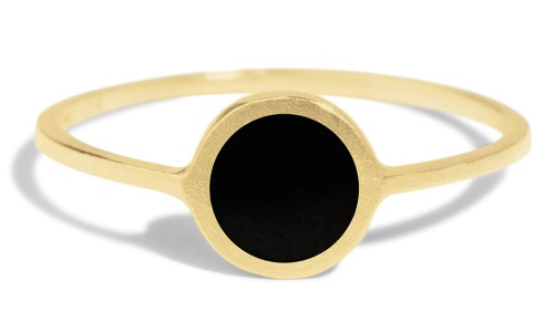 Senna Round Ring with Black Enamel in 18kt Yellow Gold